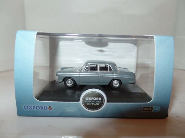 Oxford 76ACF004 ACF004 1/76 OO Scale Austin Cambridge  Grampian Cumulus Grey